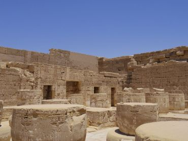 medinet-habou-temple-cour