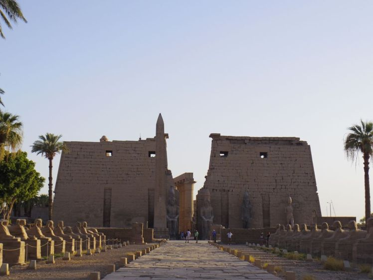 pylone-temple-louxor-egypte