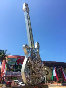 hard-rock-cafe-cancun-mexique-larchivoyageuse