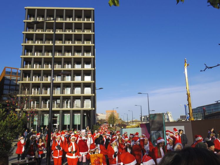 santa-convention-londres-noel-larchivoyageuse