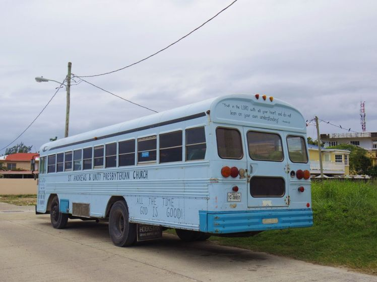 chicken-bus-belize-larchivoyageuse