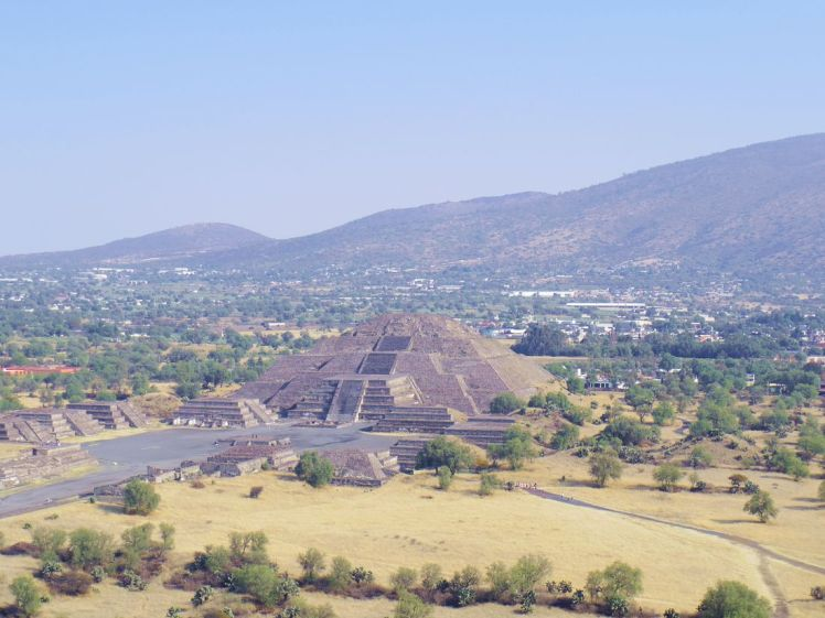 soleil-pyramide-mexique-larchivoyageuse-teotihuacan