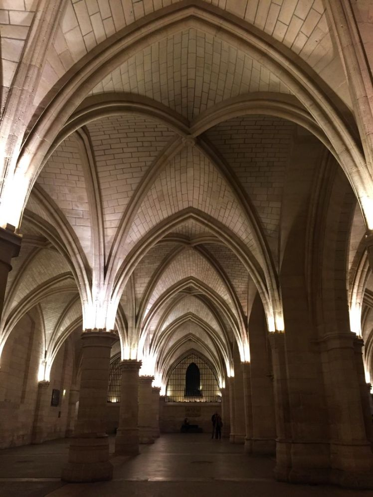 conciergerie-paris-cite-larchivoyageuse